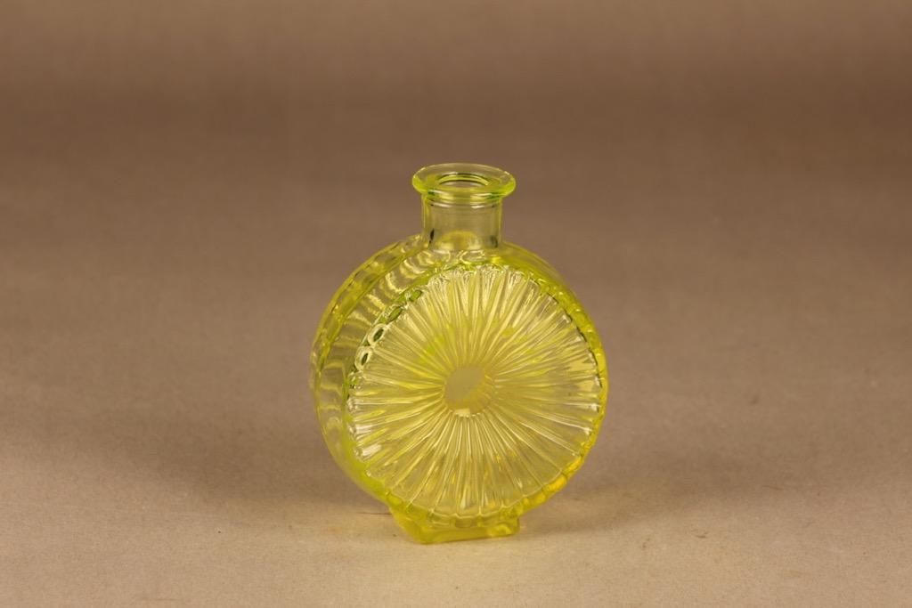 Riihimäen lasi Aurinkopullo yellow size 1/4 designer Helena Tynell