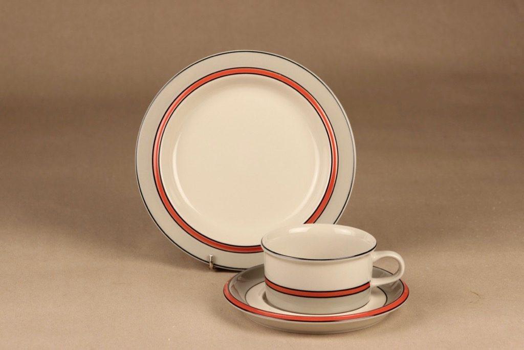 Arabia Aslak teekuppi ja lautaset, 25 cl, suunnittelija Inkeri Leivo, 25 cl