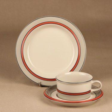 Arabia Aslak tea cup and plates (2) designer Inkeri Leivo