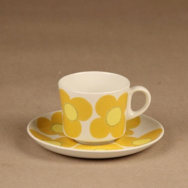Arabia Aurinko kahvikuppi, keltainen, suunnittelija Esteri Tomula, serikuva, retro