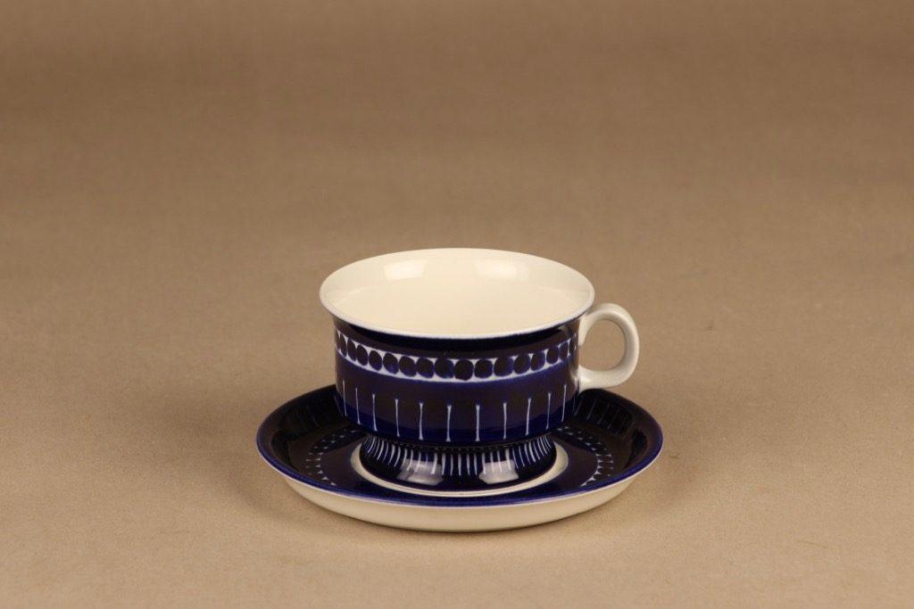 Arabia Valencia teekuppi, käsinmaalattu, suunnittelija Ulla Procope, käsinmaalattu, signeerattu