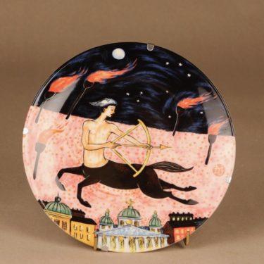 Arabia horoscope wall plate Sagittarius designer Dorrit von Fieandt