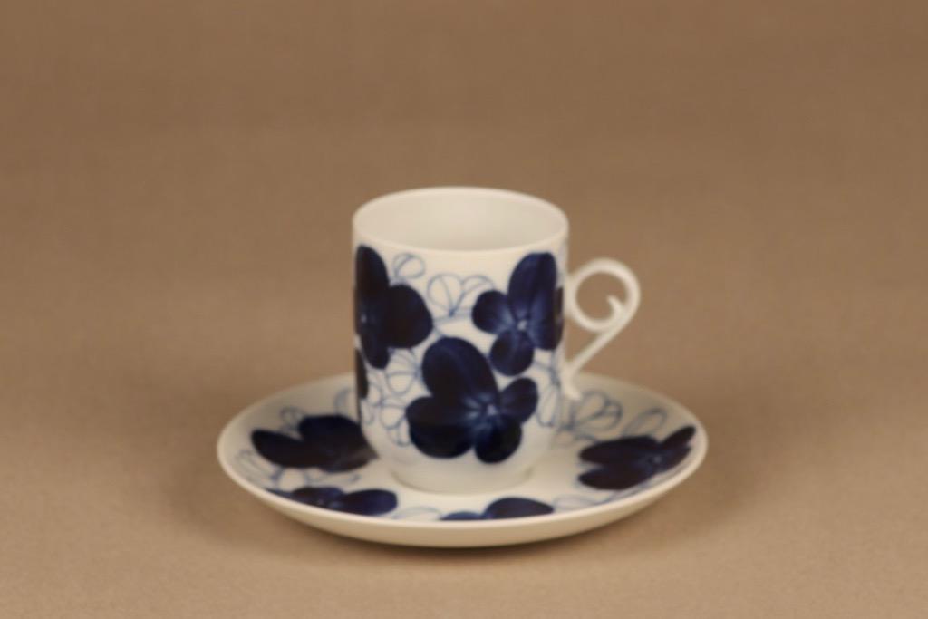 Arabia Elsa kahvikuppi, käsinmaalattu, suunnittelija Esteri Tomula, käsinmaalattu, signeerattu