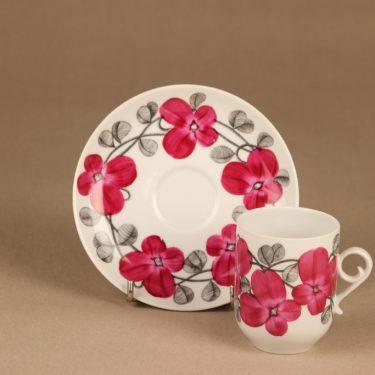 Arabia Elsa kahvikuppi, käsinmaalattu, suunnittelija Esteri Tomula, käsinmaalattu, signeerattu kuva 2