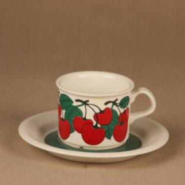 Arabia Kirsikka coffee cup designer Inkeri Seppälä