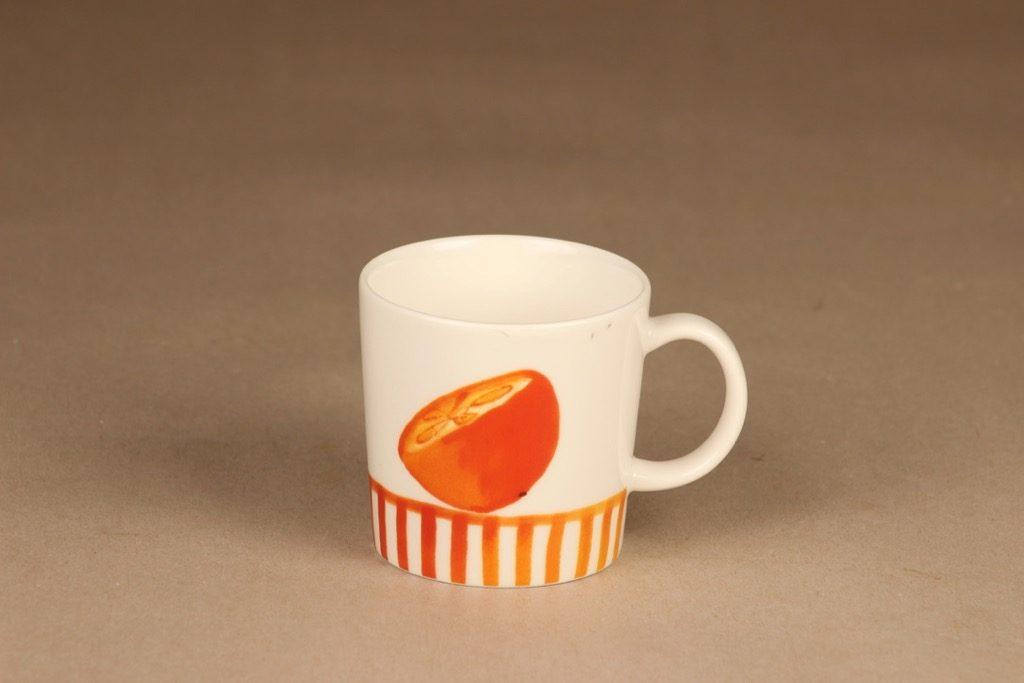 Arabia Appelsiini muki sesonkituote 2006 suunnittelija Minna Immonen