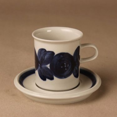 Arabia Anemone coffee cup, hand-painted designer Ulla Procope
