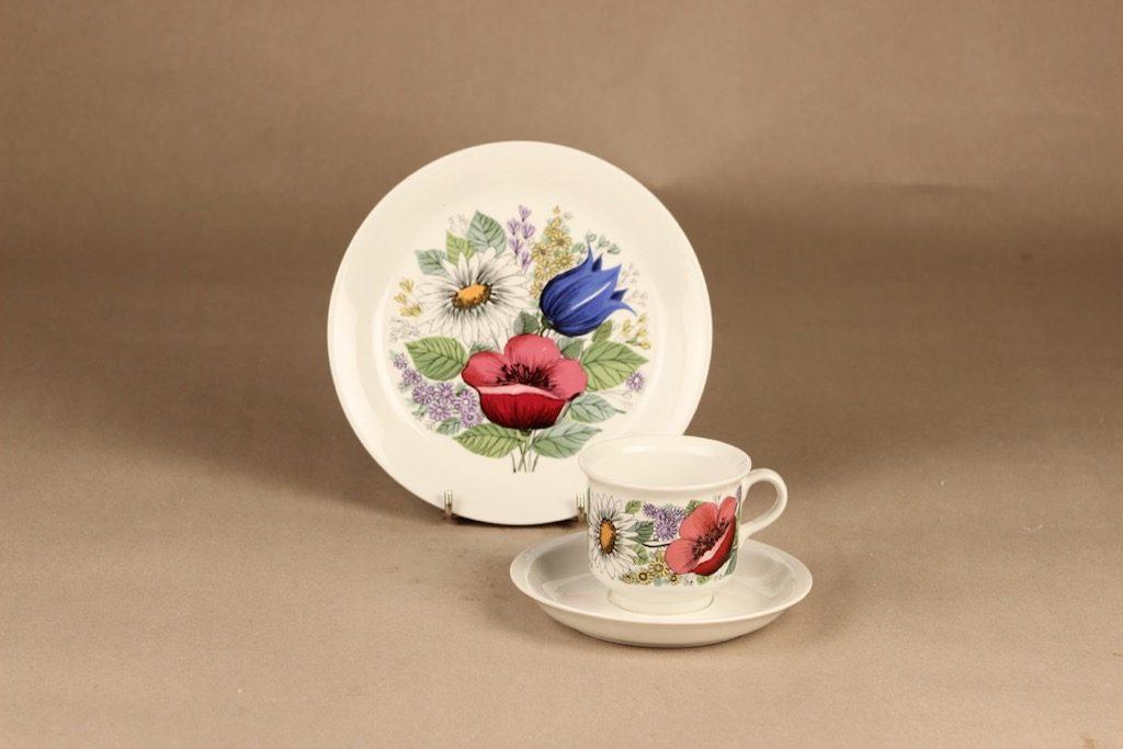 Arabia Valmu kahvikuppi ja lautaset(2), monivärinen, suunnittelija Esteri Tomula, kukka, serikuva