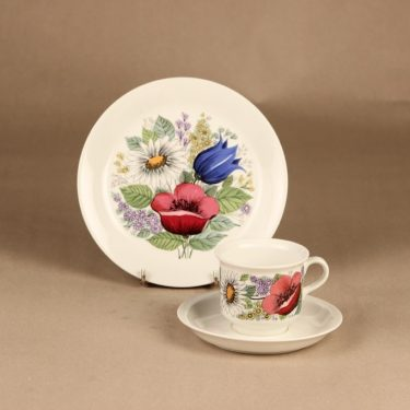 Arabia Valmu coffee cup and plates(2) designer Esteri Tomula