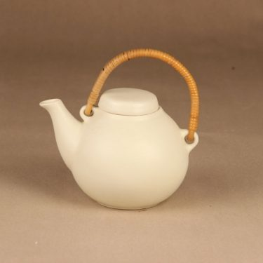 Arabia GA 3 tea pitcher with rattan