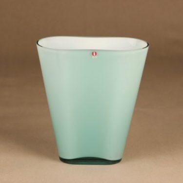 Iittala Evergreen vase designer Heikki Orvola