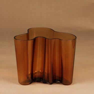 Iittala Aalto-collection vase designer Alvar Aalto