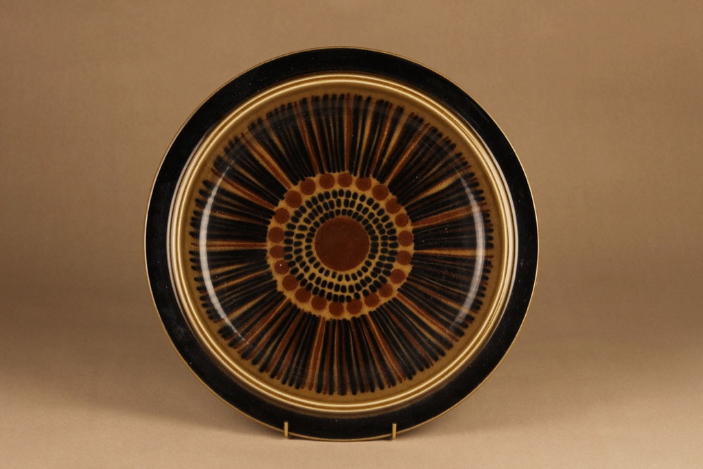 Arabia Kosmos serving plate designer Gunvor Olin-Grönqvist
