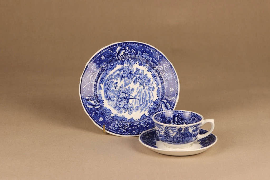 Arabia Maisema coffee cup and plates(2)
