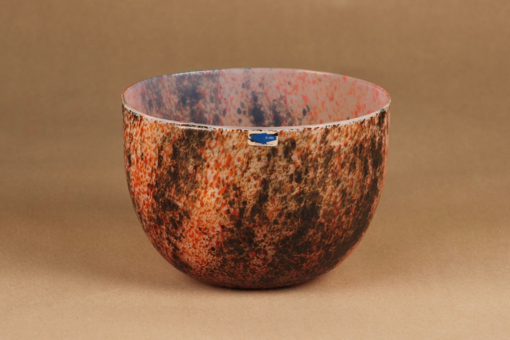 Nuutajärvi Tunturissa Ruska bowl designer Oiva Toikka