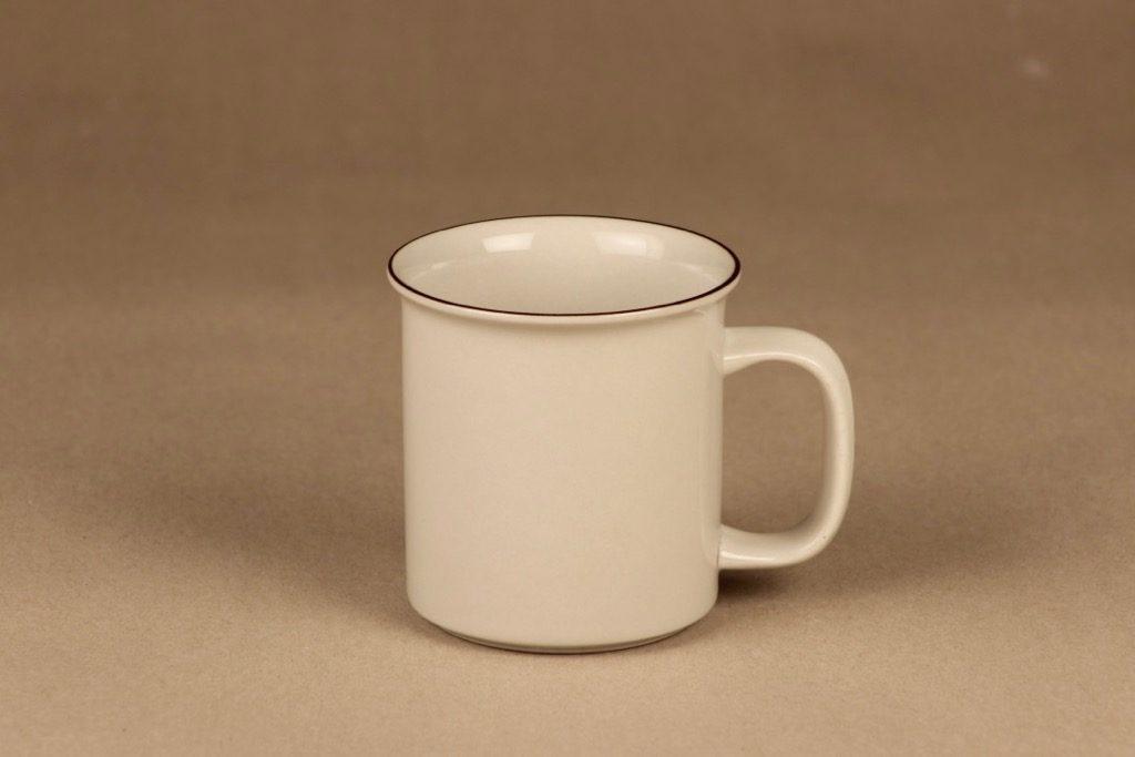 Arabia Fennica mug designer Richard Lindh
