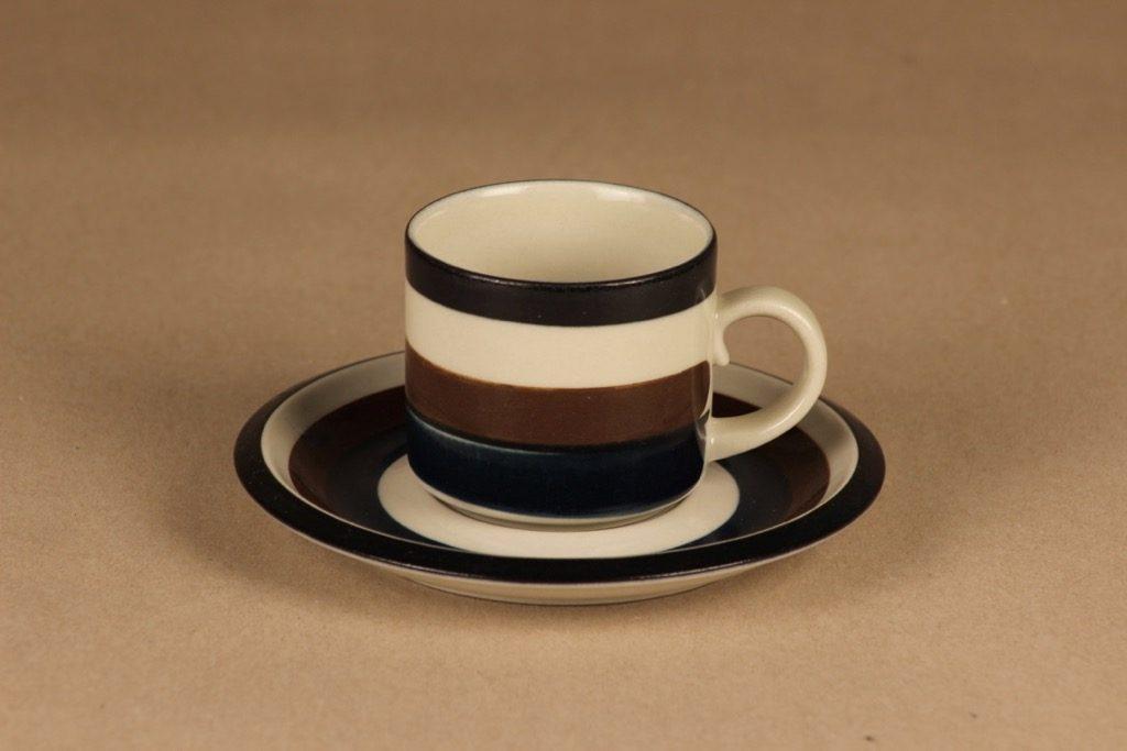 Arabia Kaira kahvikuppi, raitakoriste, suunnittelija Anja Jaatinen-Winquist, raitakoriste