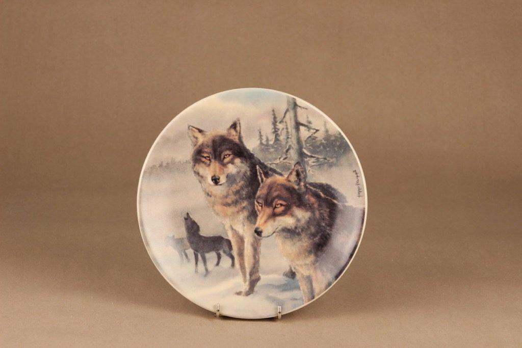 Arabia wall plate Wolf designer Kimmo Pälikkö