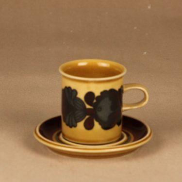 Arabia Otso coffee cup designer Raija Uosikkinen