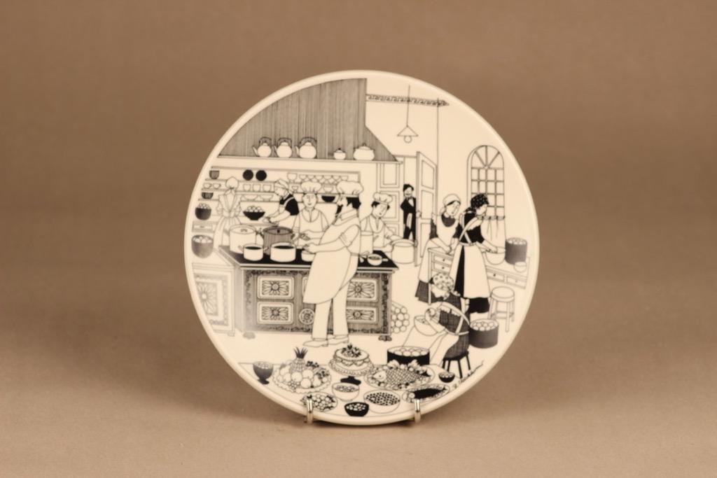 Arabia wall plate Chef designer Raija Uosikkinen