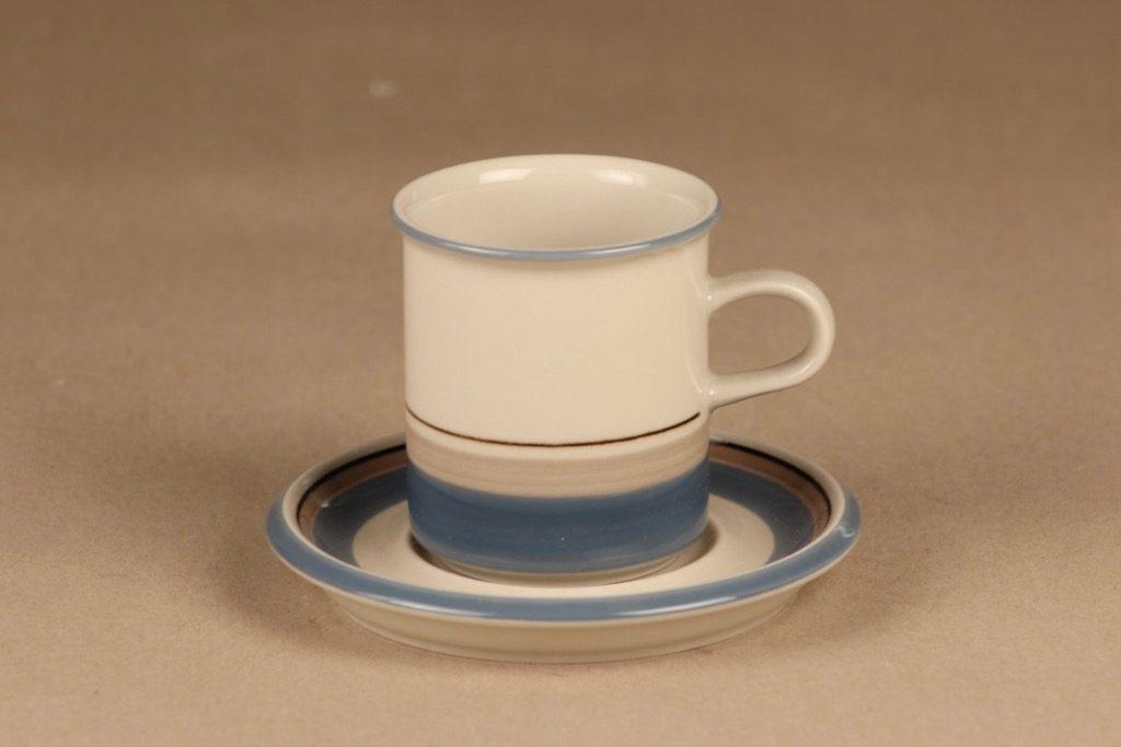 Arabia Uhtua kahvikuppi, sininen, suunnittelija Inkeri Leivo, raitakoriste