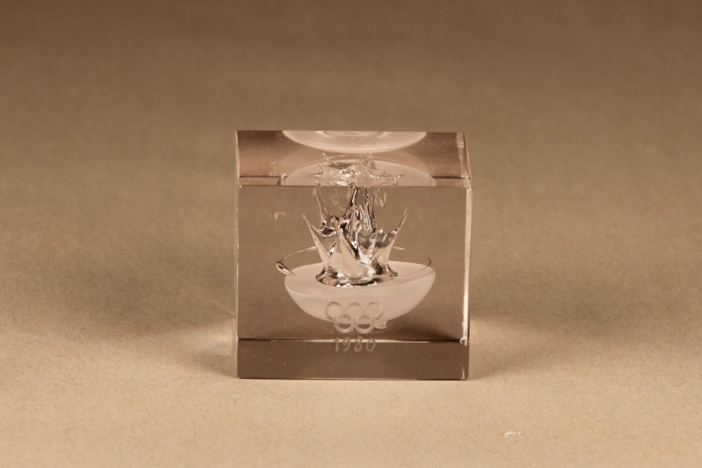 Nuutajärvi Olympic-cube, limited edition designer Oiva Toikka