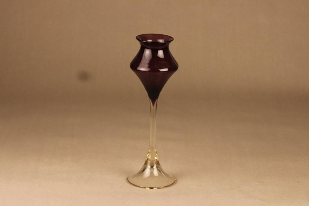 Kumela vase with feet lilac designer Sirkku Kumela-Lehtonen