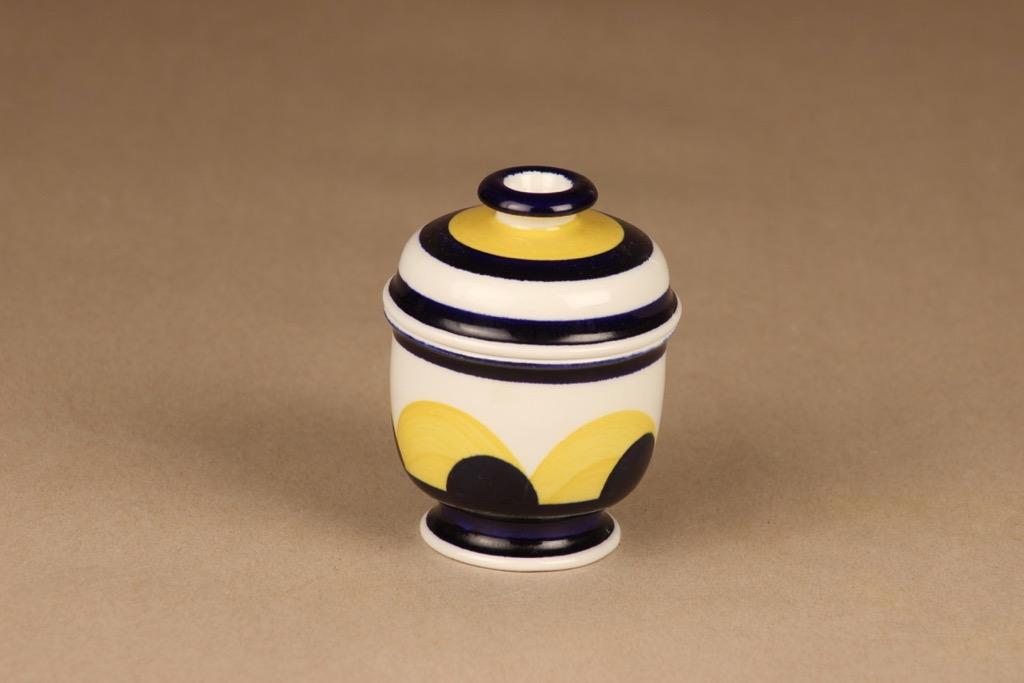 Arabia Paju makeisrasia, käsinmaalattu, suunnittelija Anja Jaatinen-Winquist, käsinmaalattu, signeerattu