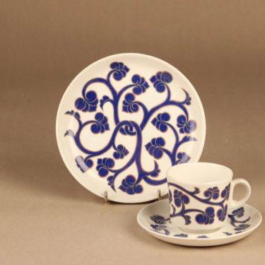 Arabia Lyydia coffee cup and plates designer Laila Hakala