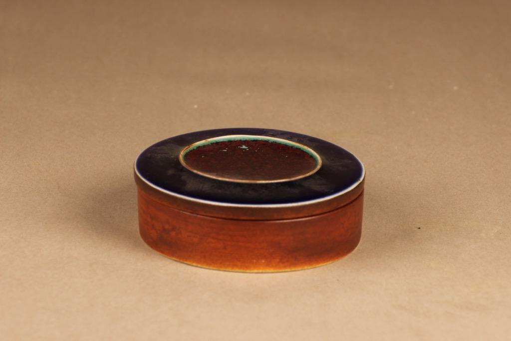 Arabia Ornamentti rasia, käsinmaalattu, suunnittelija Annikki Hovisaari, käsinmaalattu