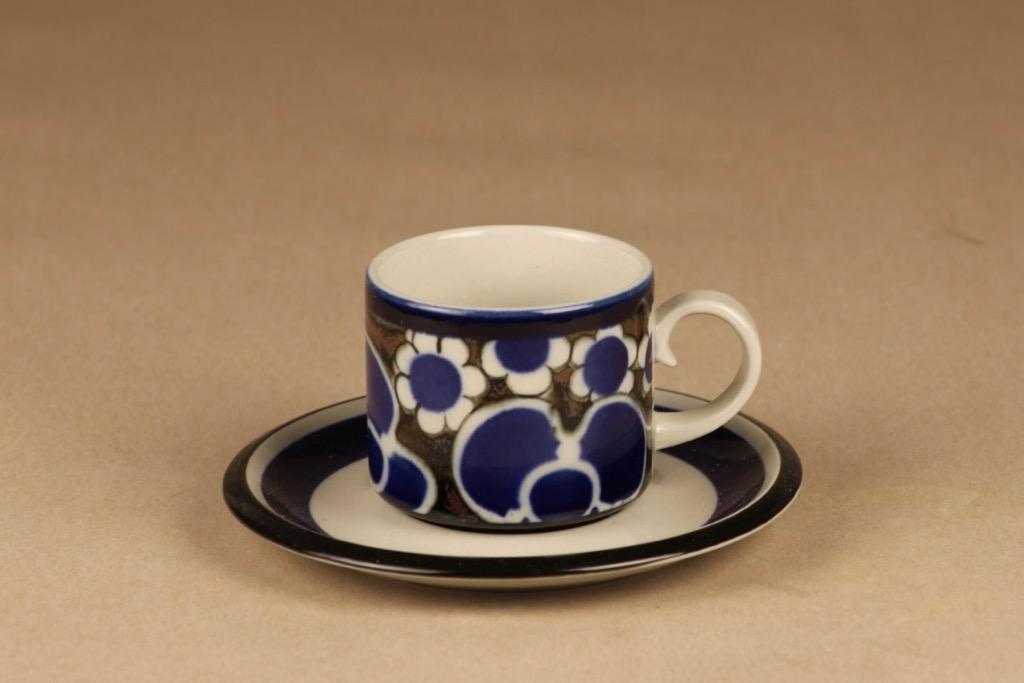 Arabia Saara tea cup designer Anja Jaatinen-Winquist