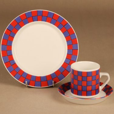 Arabia Tammi coffee cup and plates designer Esteri Tomula