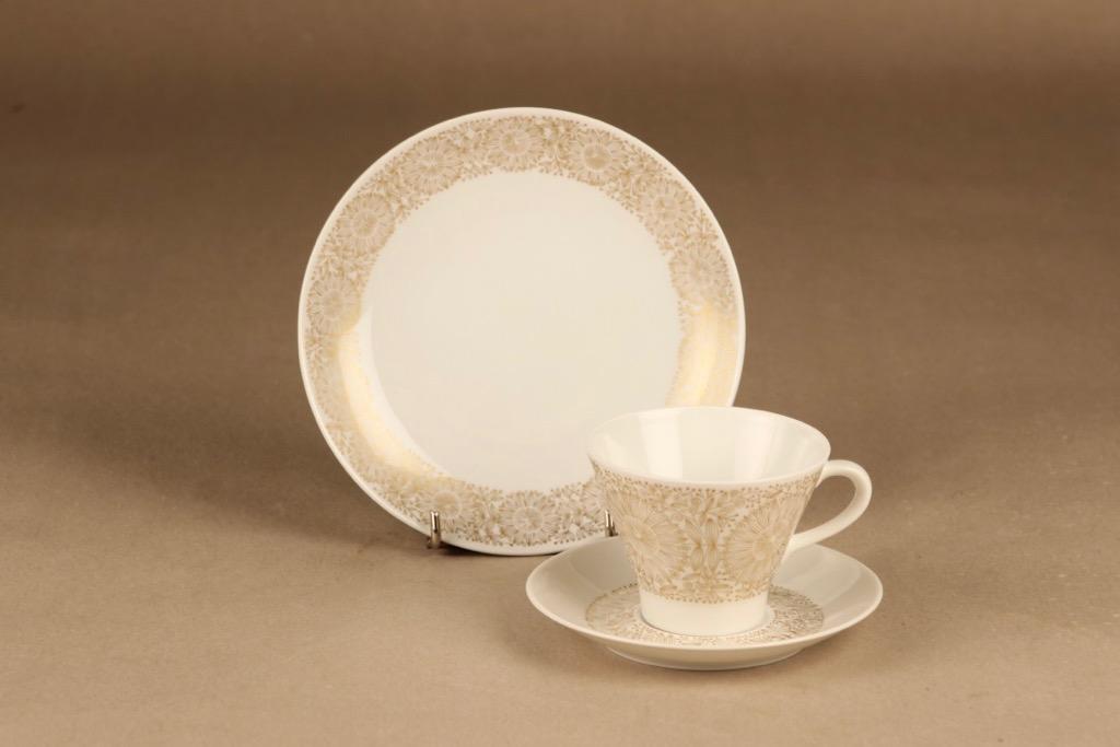Arabia Filigran kahvikuppi ja lautaset(2), kulta, suunnittelija Raija Uosikkinen, serikuva