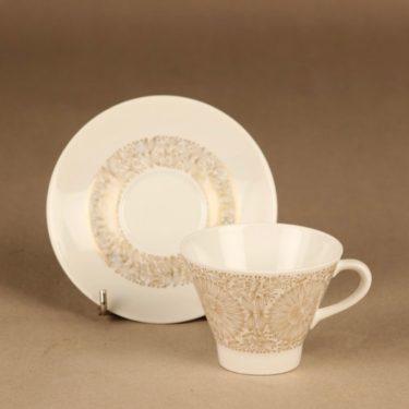 Arabia Filigran kahvikuppi ja lautaset(2), kulta, suunnittelija Raija Uosikkinen, serikuva kuva 2
