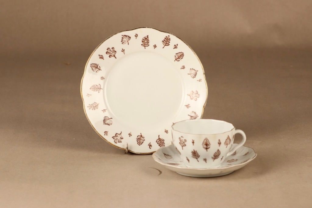 Arabia Aulikki coffee cup and plates(2) designer unknown