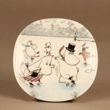 Arabia Moomin wall plate Moomin On Slippery Ice designer Tove Slotte