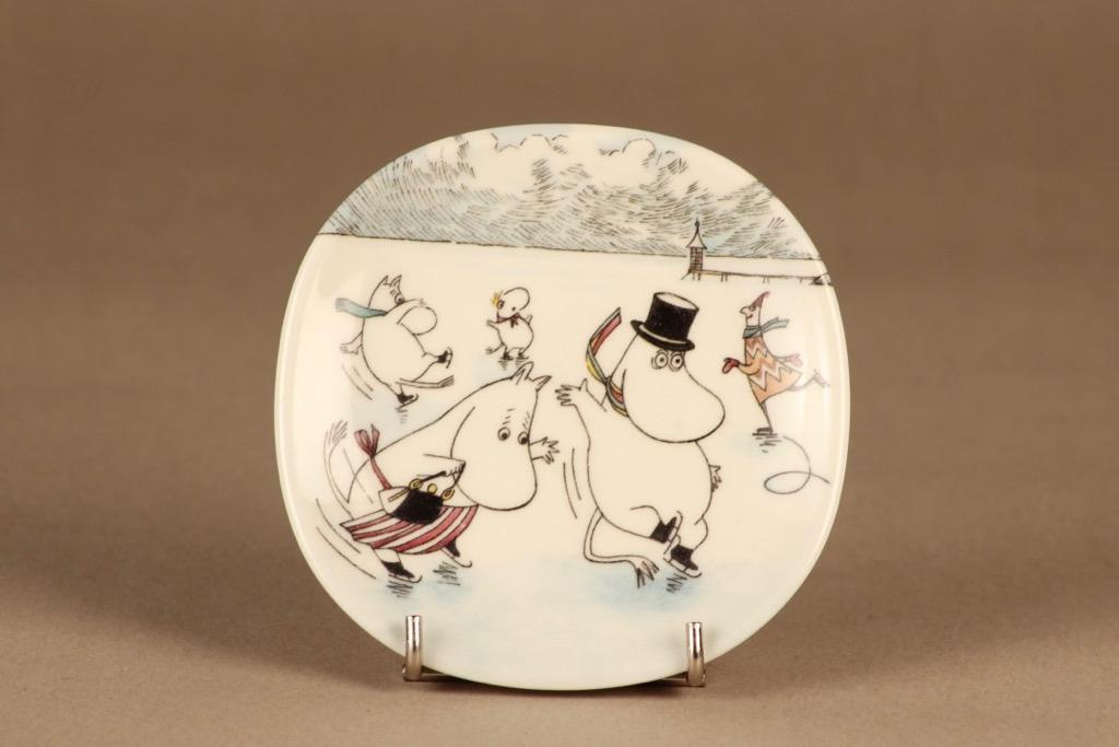 Arabia Moomin wall plate Moomin On Slippery Ice designer Tove Slotte