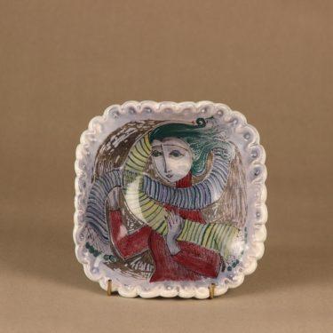 Arabia HLA seinäkoriste, käsinmaalattu, suunnittelija Hilkka-Liisa Ahola, käsinmaalattu, käsinmuotoiltu, signeerattu