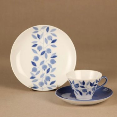 Arabia Myrtilla coffee cup and plates (2) designer Esteri Tomula