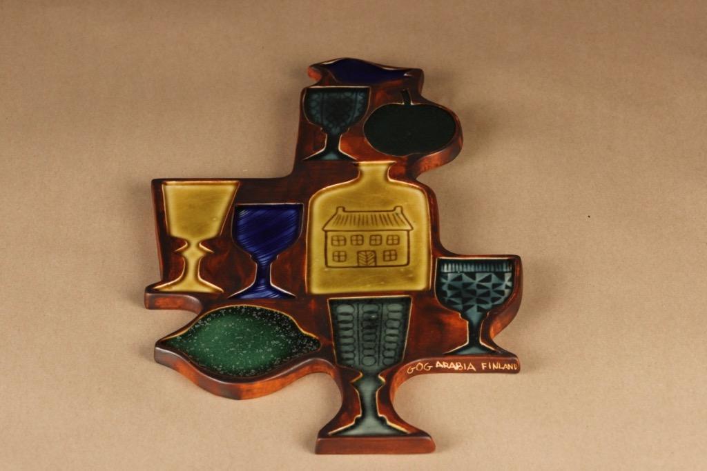 Arabia GOG seinäreliefi, käsinmaalattu, suunnittelija Gunvor Olin-Grönqvist, käsinmaalattu, signeerattu