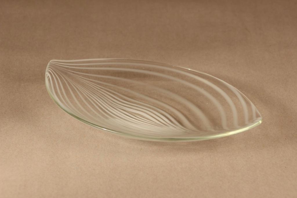 Kumela vati, kirkas, valkoinen, suunnittelija Maija Carlson,