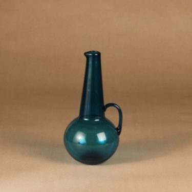 Riihimäen lasi 1747 caraffe designer Tamara Aladin