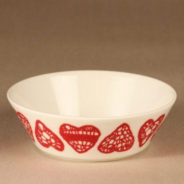 Arabia Joulusydän soup bowl designer Maija Fagerlund