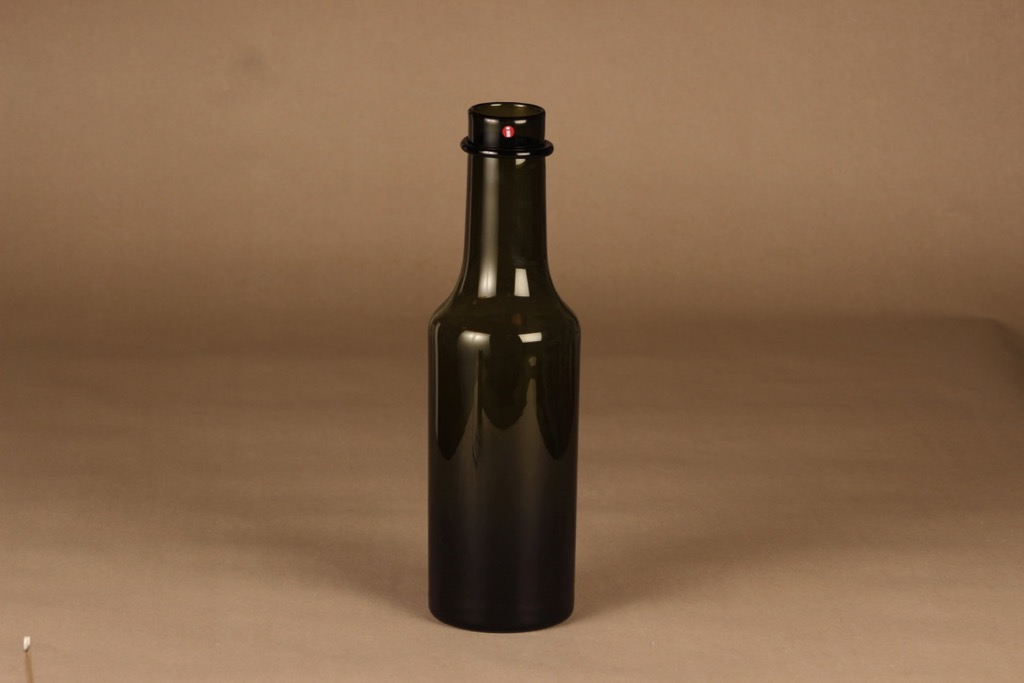 Iittala Rengaskaula art glass bottle, signed designer Tapio Wirkkala