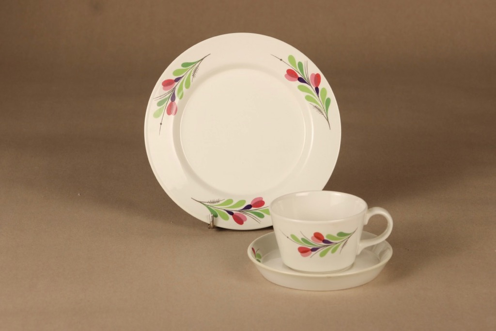 Arabia Hely coffee cup and plates(2) designer Olga Osol