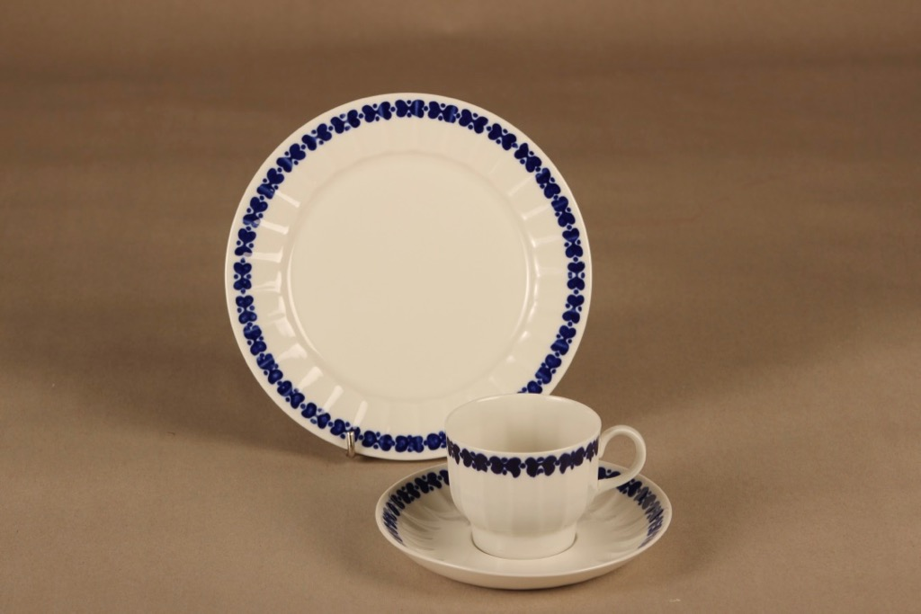 Arabia Elvikki coffee cup and plates(2) designer Esteri Tomula