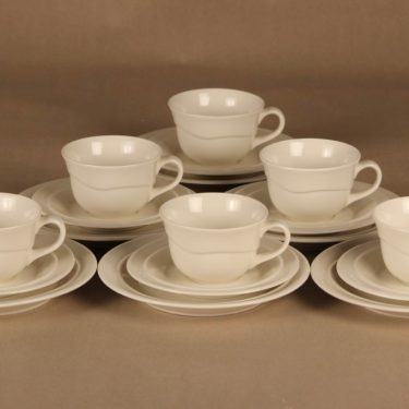 Arabia Tuuli kahvikuppi ja lautaset(2), valkoinen, 6 kpl, suunnittelija Heljä Liukko-Sundström,