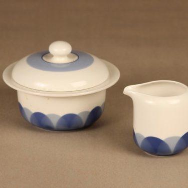 Arabia Pudas Arctica sokerikko ja kermakko, sininen, suunnittelija Inkeri Leivo, serikuva