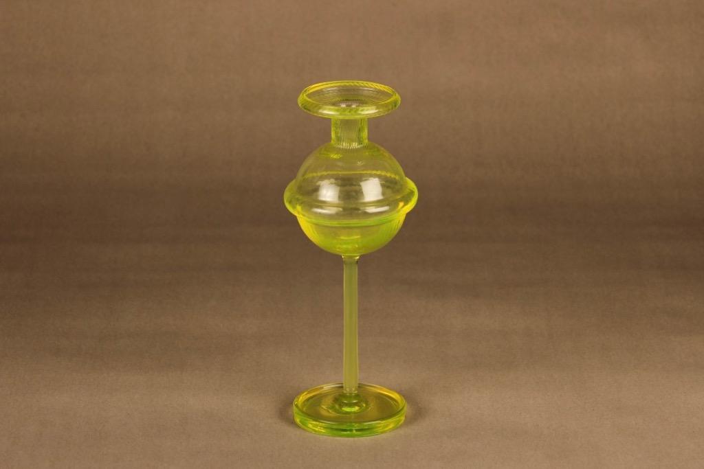Riihimäen lasi Sulttaani kynttilänjalka, keltainen, suunnittelija Nanny Still,