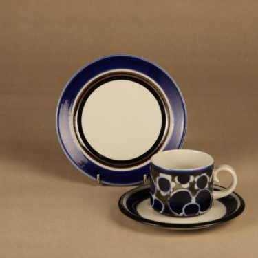 Arabia Saara tea cup and plates (2) designer Anja Jaatinen-Winquist